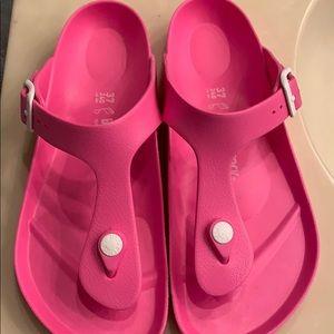 Pink plastic Birkenstock Gizeh